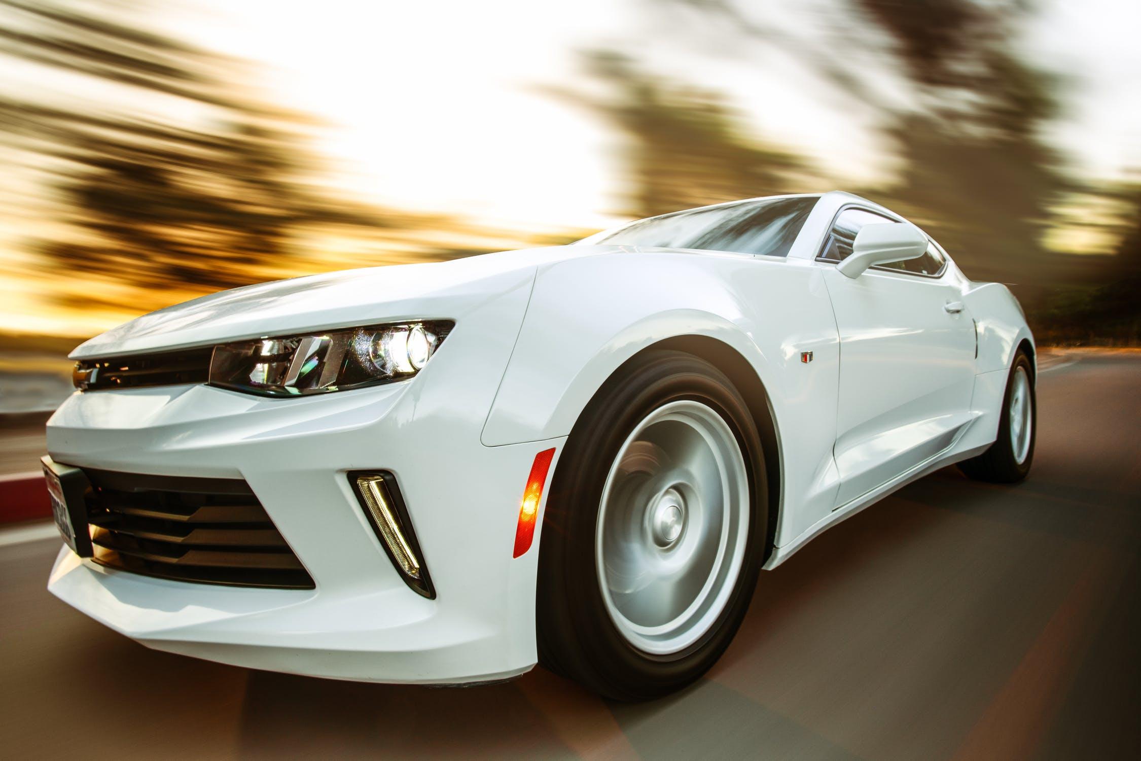 Hvid bil